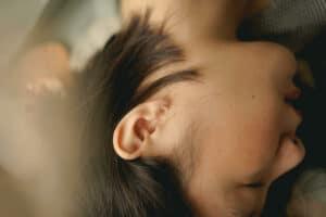 귀에 물찬느낌 어떻게 해결할까?